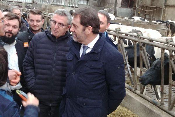 Le 13 décembre 2019 C.Castaner visite une exploitation dans le Finistère en compagnie de représentants de la FNSEA