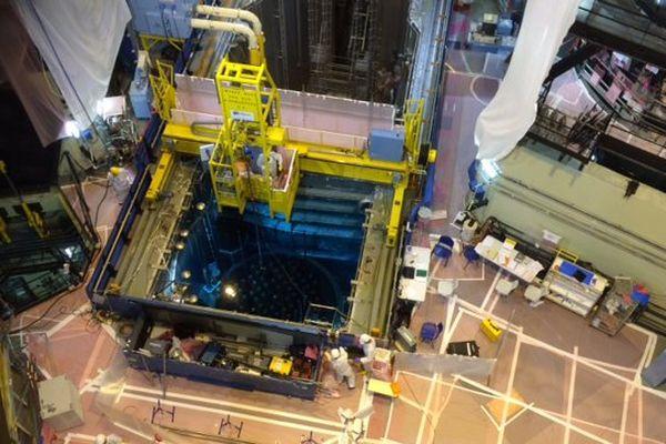 La piscine de stockage de l'uranium au coeur de la tranche N°1 de la centrale de Civaux.