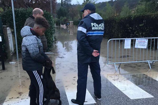 Un policier municipal en intervention à La-Colle-sur-Loup.