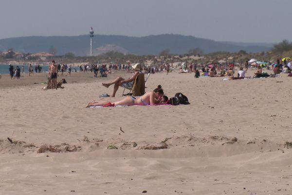 Du monde sur les plages ce samedi 3 avril.