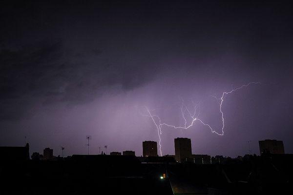 33 départements, dont tous ceux d'Occitanie, et l'Andorre sont placés en vigilance jaune orages, en ce samedi 31 juillet.