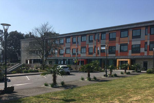 L'hôpital Etienne-Gourmelen de Quimper met en place une ligne d'écoute et de soutien psychologique pour les week-ends.