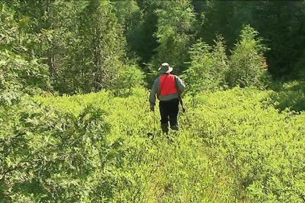 Michel sur le terrain, à la chasse aux ours