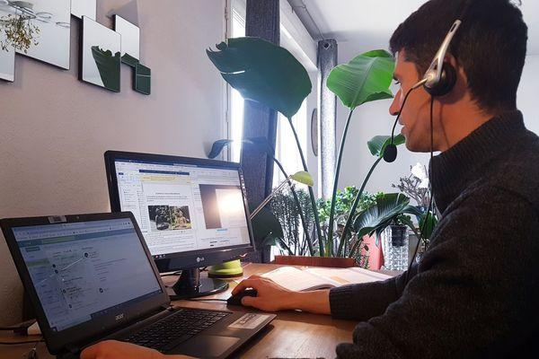 De nombreux salariés ont découvert le télétravail pendant ce confinement. Un jeu d'équilibriste entre vie privée et vie professionnelle.