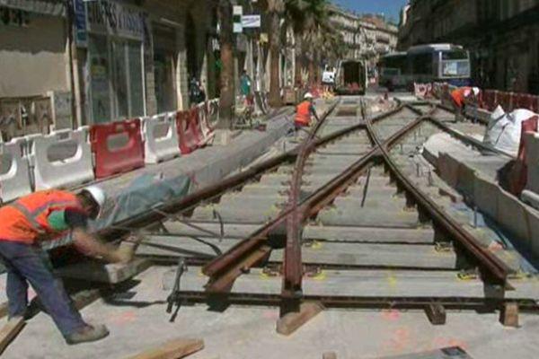Les travaux de la ligne 4 du tramway dans le quartier Gambetta réduisent l'activité des commerçants. Juillet 2015