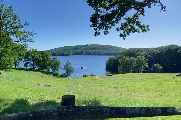 Le lac de Vassivière et ses paysages aux ambiances canadiennes...