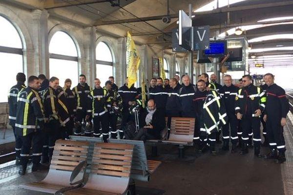 Nîmes : des pompiers du Gard sont partis manifester à Paris - 28 janvier 2020.