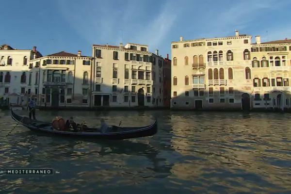La lagune vénitienne et ses célèbres gondoles