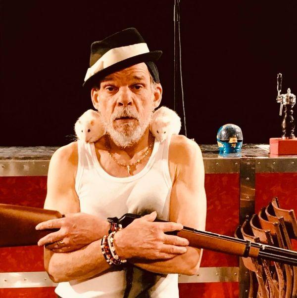 Mister Tambourine Man et les rats du conte des frères Grimm