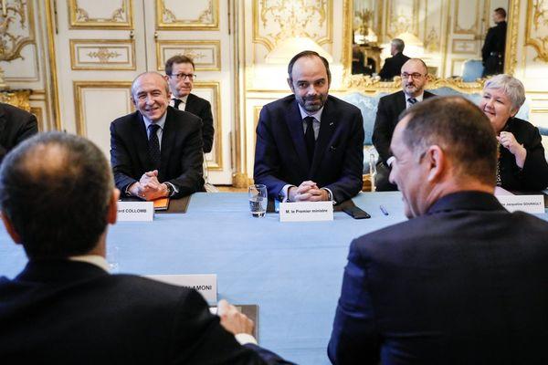 Illustration / Jean-Guy Talamoni et Gilles Simeoni font face à Edouard Philippe lors d'une visite à Matignon, en janvier 2018.