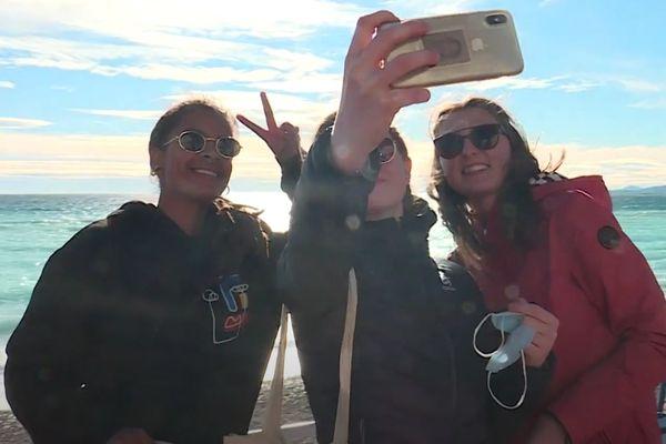 Depuis son titre, les Niçois s'arrêtent pour se prendre en selfie avec Marina.