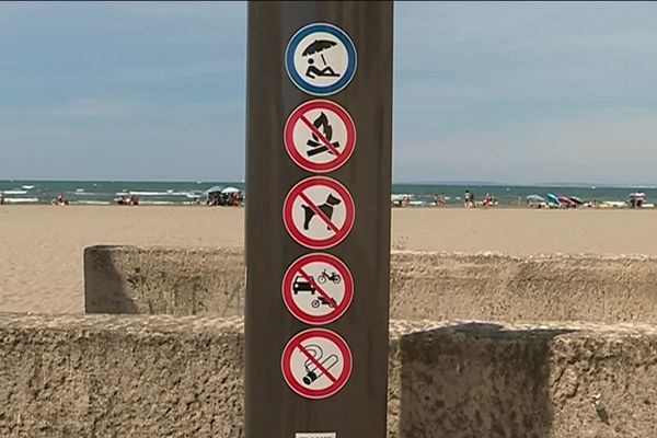 Une des plages du Grau-du-Roi dans le Gard, interdite aux fumeurs.