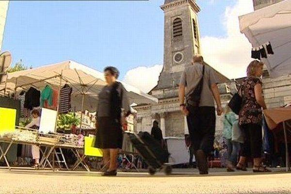 Le coup d'envoi de la braderie a été donné ce vendredi matin à Besançon.