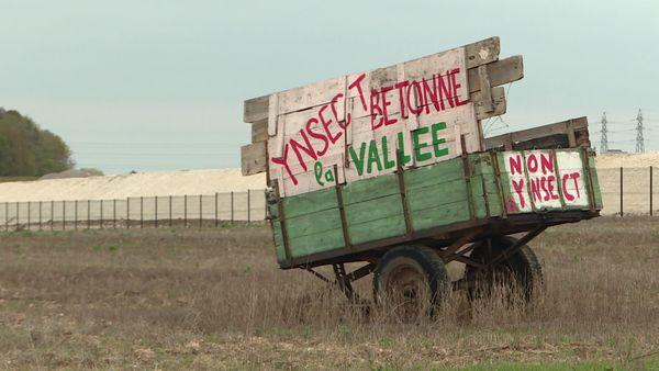 Une famille d'agriculteurs s'oppose à l'implantation de l'usine d'Ynsect sur les terres agricoles, à Poulainville.