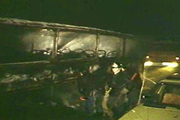 Un accident impliquant deux autocars et des voitures avait fait 53 morts, le 1er août 1982, près de Beaune, en Côte-d'Or.