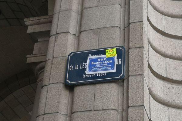 Le passage de la Légion d'honneur transformé en rue Pauline Léon par FO