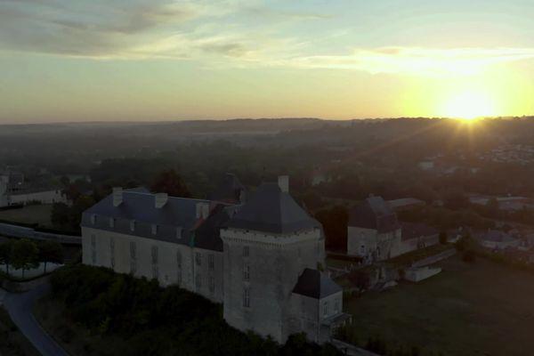 Le château de Chalais, vu du ciel.