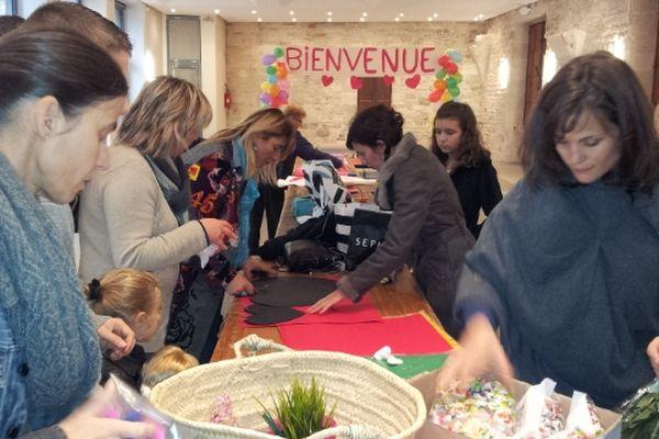 Barjac (Gard) - préparatifs de fête pour le retour de Chloé au pays - 17 novembre 2012.