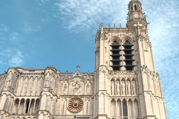 Pour pouvoir visiter la tour sud de la Cathédrale Saint-Etienne, les visiteurs doivent débourser 6,50 euros. Gratuit pour les moins de 12 ans.