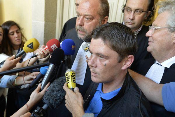 Daniel Legrand entouré des avocats de la partie civile.