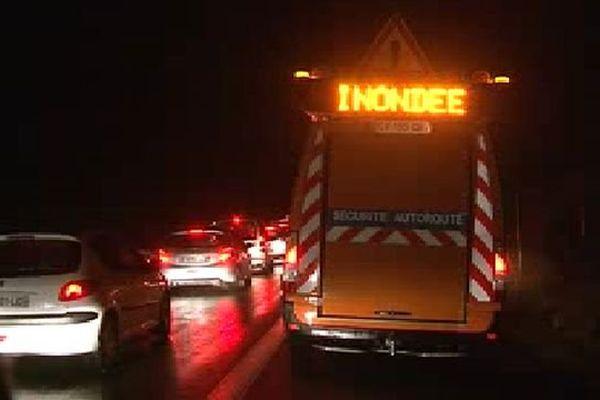L'A75 a dû être fermée dans les deux sens au Bosc et au Caylar, la chaussée étant inondée - 12 septembre 2015