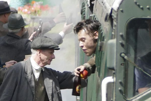 "Harry Styles sur le tournage de ""Dunkirk"" en Angleterre fin juillet."