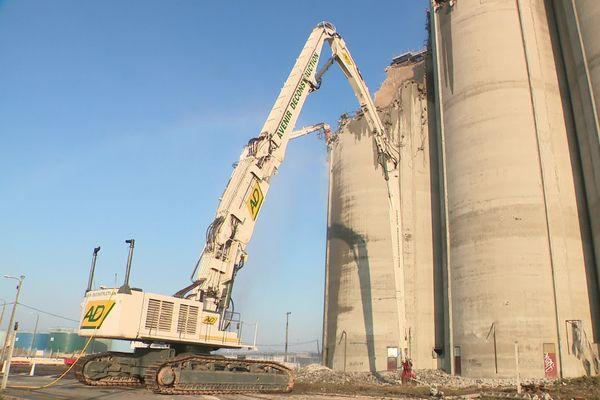 Destruction en cours depuis le 23 novembre 2020 au port du Havre (image extraite d'une vidéo)