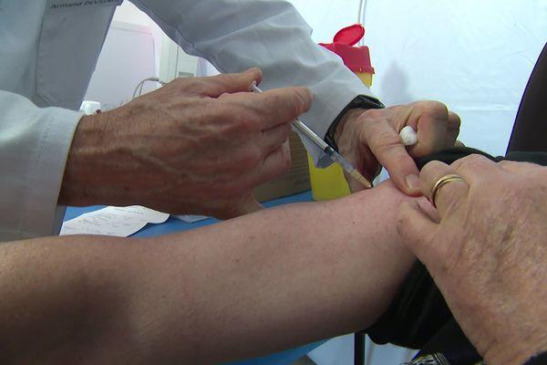 100 personnes ont pu se faire vacciner le matin du dimanche 17 janvier dans ce centre.