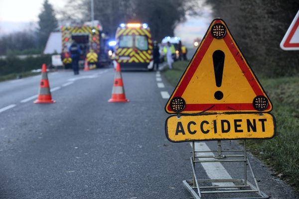 Intervention de pompiers sur un accident de la route