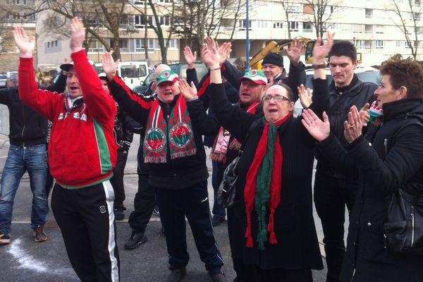 Les supporters de Sedan manifestent devant la préfecture des Ardennes