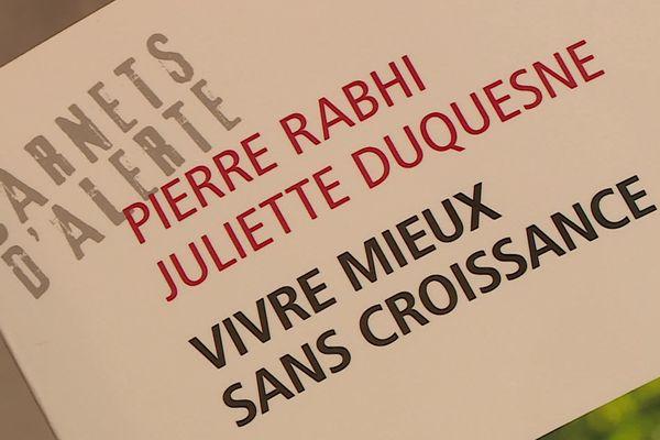 Les carnets d'Alerte de Pierre Rahbi et Juliette Duquesne avec l'aide de chercheurs explorent le monde en quête d'une vie meilleure.