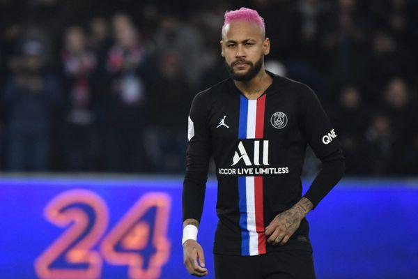 Neymar sera absent ce mardi soir et ne jouera pas avec le groupe parisien face à Nantes.