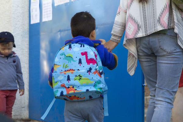 Les enfants ont dû quitter l'école vendredi sans savoir si ils y reviendraient un jour.