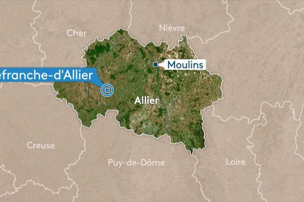 Une collision entre une voiturette et un utilitaire a fait deux blessés en fin de matinée à Villefranche-d'Allier.