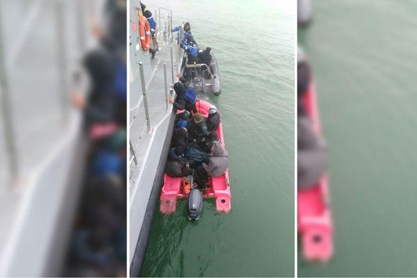 Huit migrants ont été secourus à 7 heure ce jeudi au large de Boulogne-sur-Mer.
