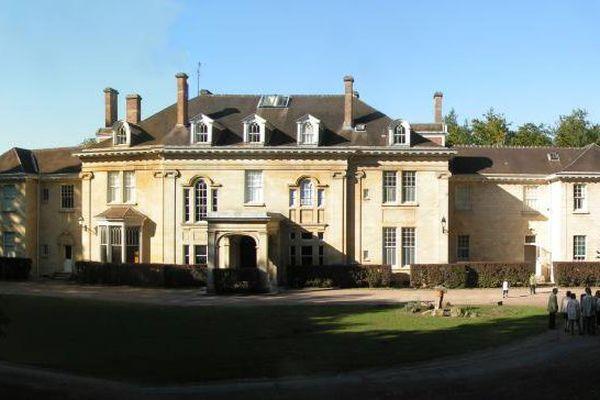 L'un des trois châteaux du domaine.