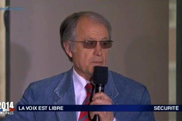 Louis Nogues sur le plateau de La Voix est Libre en février 2014