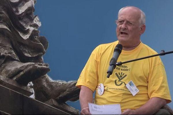 René Crespo lors d'une intervention pour les Paralysés de France à Paris le 13 juin 2014.