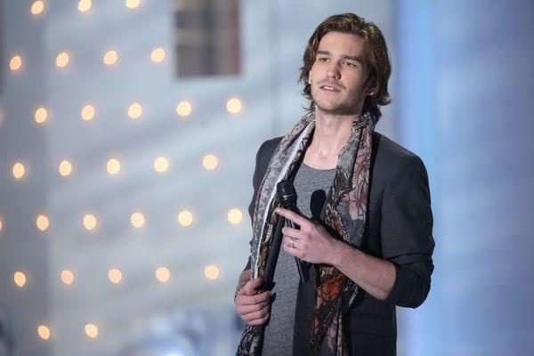 Le ténor français prépare un disque sur les chants de Noël à travers le monde