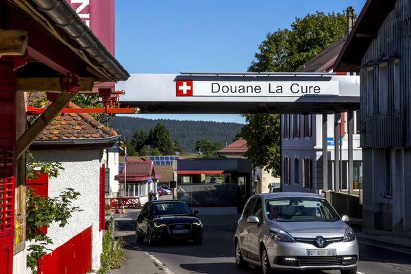 Aux douanes suisses, les formalités covid changent à partir du lundi 20 septembre 2021.
