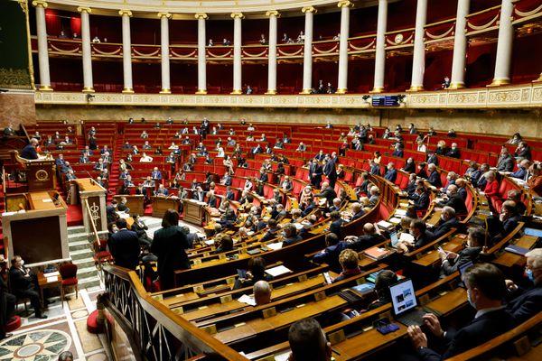 Les députés à l'Assemblée nationale lors d'une session de questions au gouvernement le 9 février 2021.