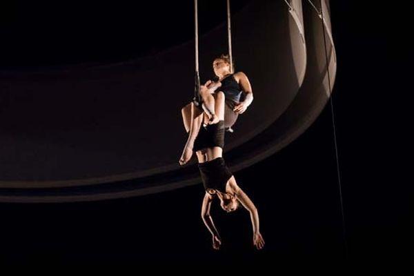 """Spectacle """"Pulsions"""" (24ème promotion du Centre national des arts du cirque)"""