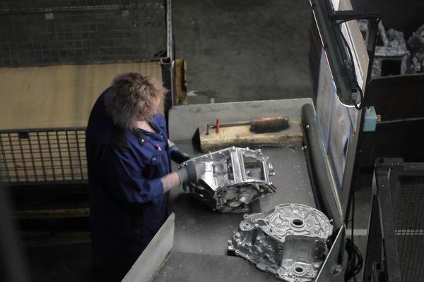 <p>Des pièces de moteurs sont fabriquées à la fonderie MBF située à Saint-Claude dans le Haut-Jura.&nbsp;</p>