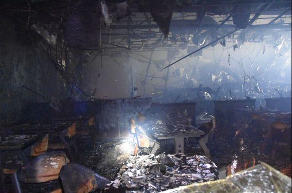 Le feu a entièrement détruit la salle qui abrite le restaurant et l'accueil.