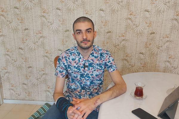 Menacé de mort, Mahammad Mirzali ne sort presque plus de chez lui.