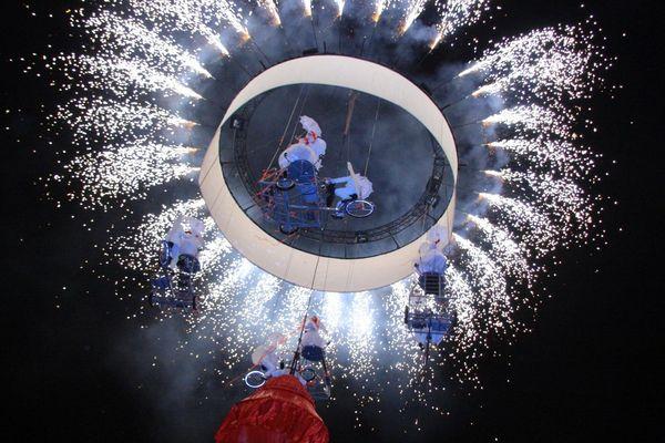 """""""A vélo vers le ciel"""", un spectacle proposé place de la République, en ouverture du festival"""