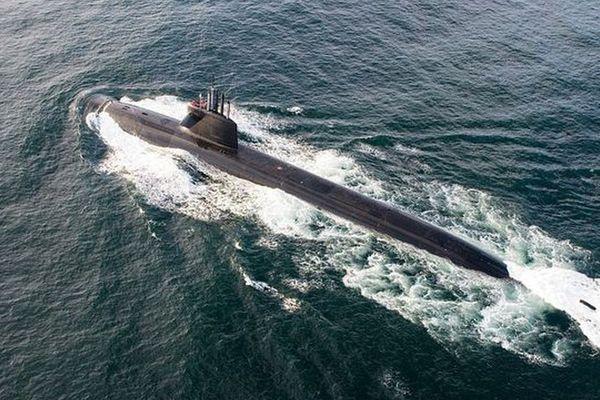 """Le sous-marin nucléaire lanceur d'engins (SNLE) """"Le Terrible"""""""