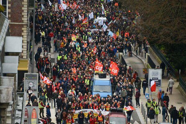 Rouen le samedi 11 janvier 2020. Des milliers de manifestants défilent dans le centre-ville entre 14h30 et 18h