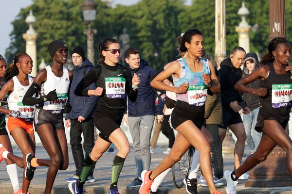 Accusée de s'être soustraite à un contrôle antidopage au Maroc en mars dernier, Clémence Calvin, originaire de Vichy, bat le record de France de la distance au marathon de Paris, dimanche 14 avril 2019.