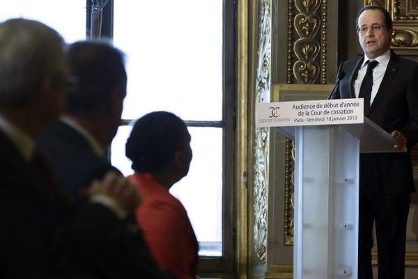 François Hollande devant les magistrats de la Cour de Cassation pour la cérémonie annuelle des voeux, vendredi 28 janvier 2013